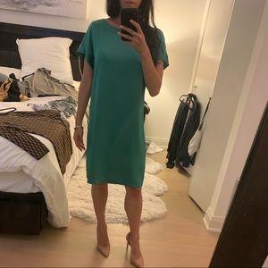 Theory shimmery green short sleeve dress